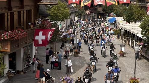 Appassionati di motorini, che ne dite di un tour sulle Alpi?