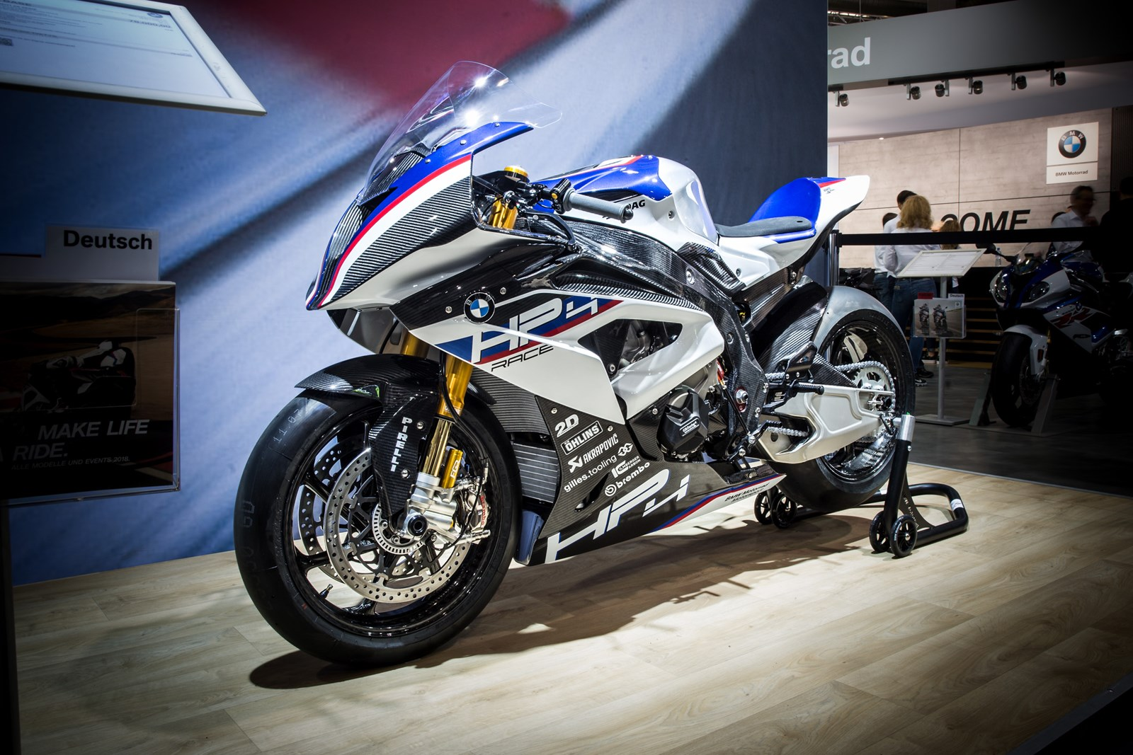 bmw_hp4race_01.jpg
